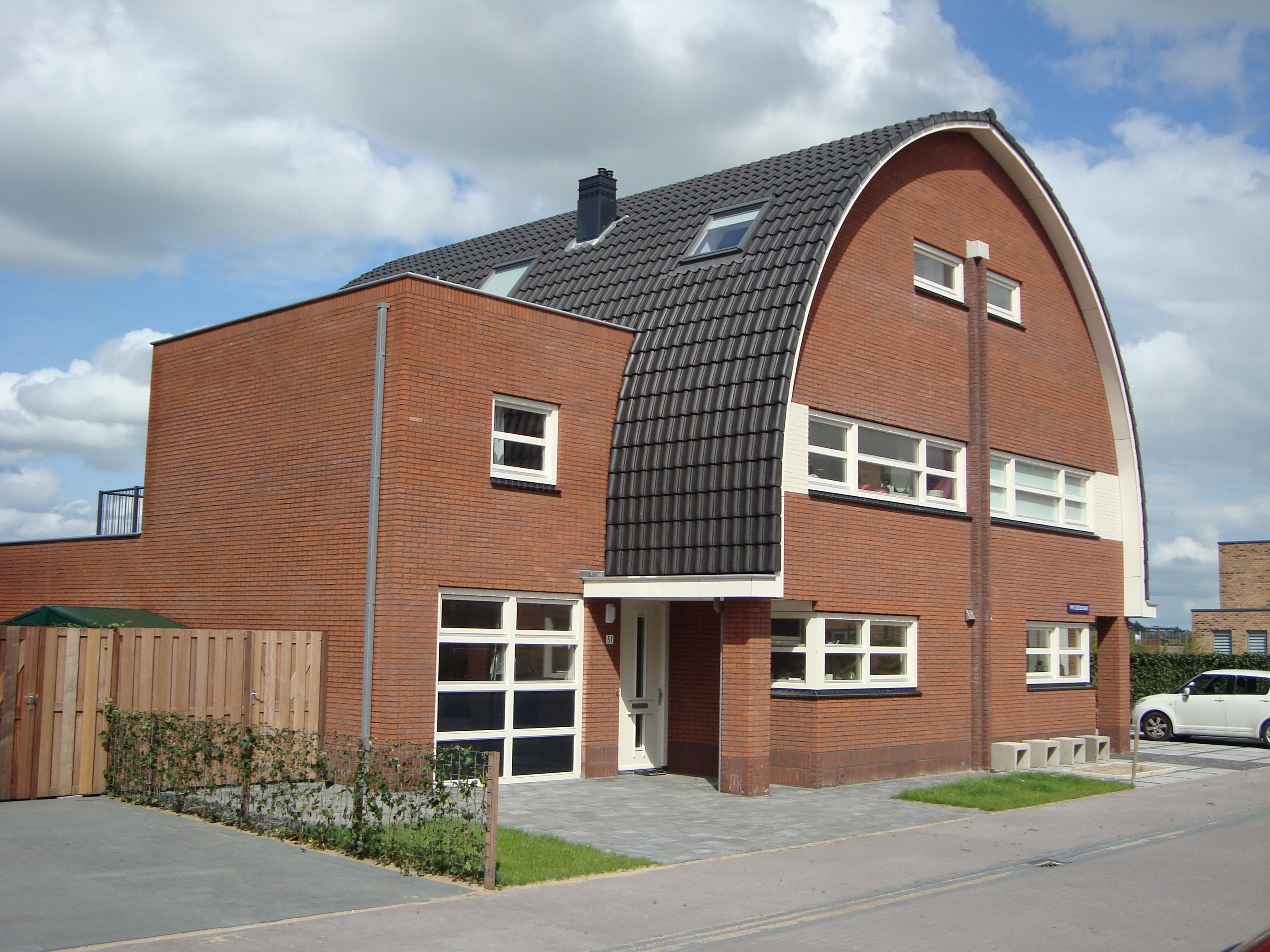 gebogen daken of ronde daken nelskamp dakpannen. Black Bedroom Furniture Sets. Home Design Ideas
